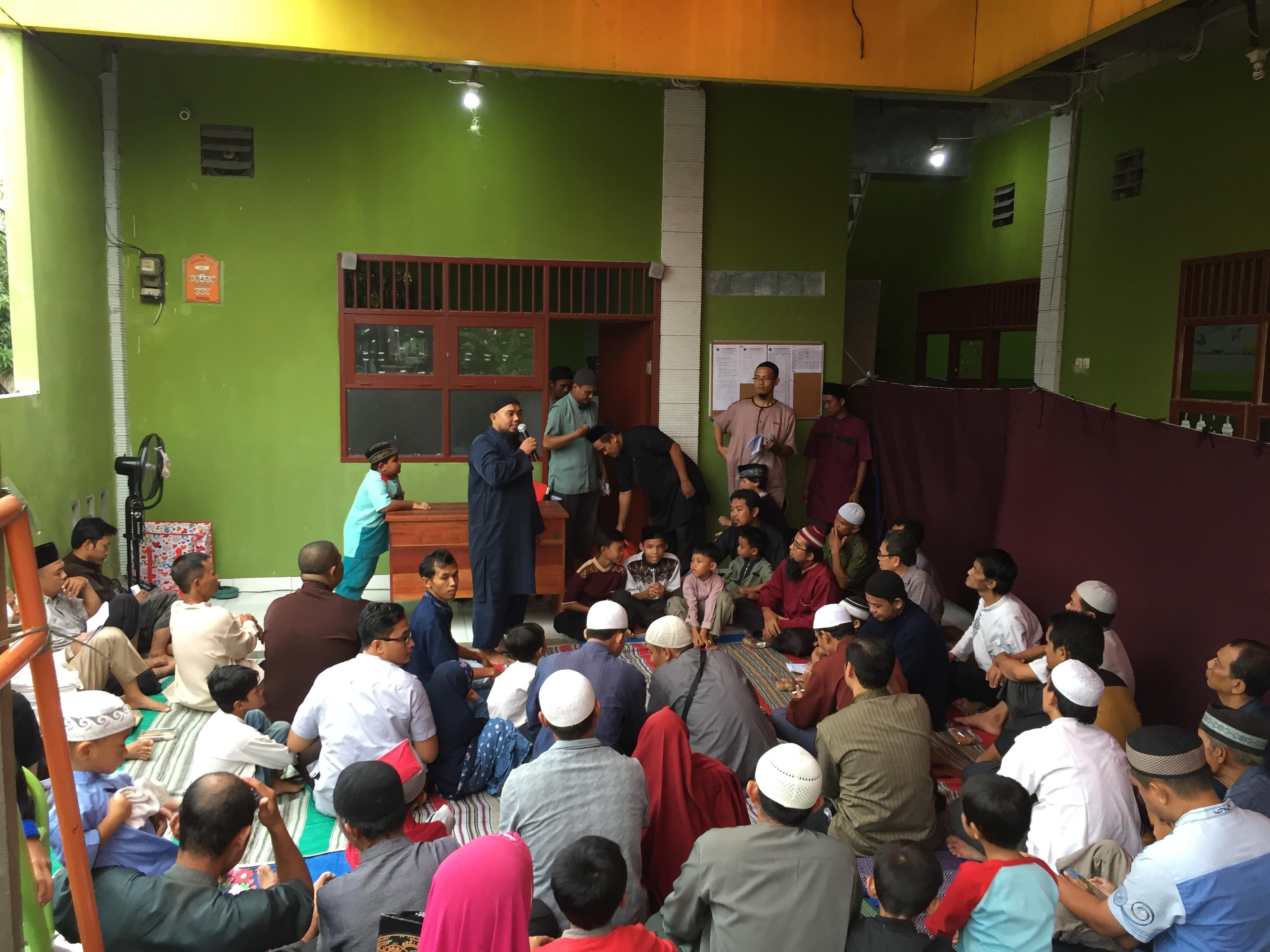 Santunan Anak Yatim & Iftor Jama'i Yayasan Al Furqon haqul Mubin.