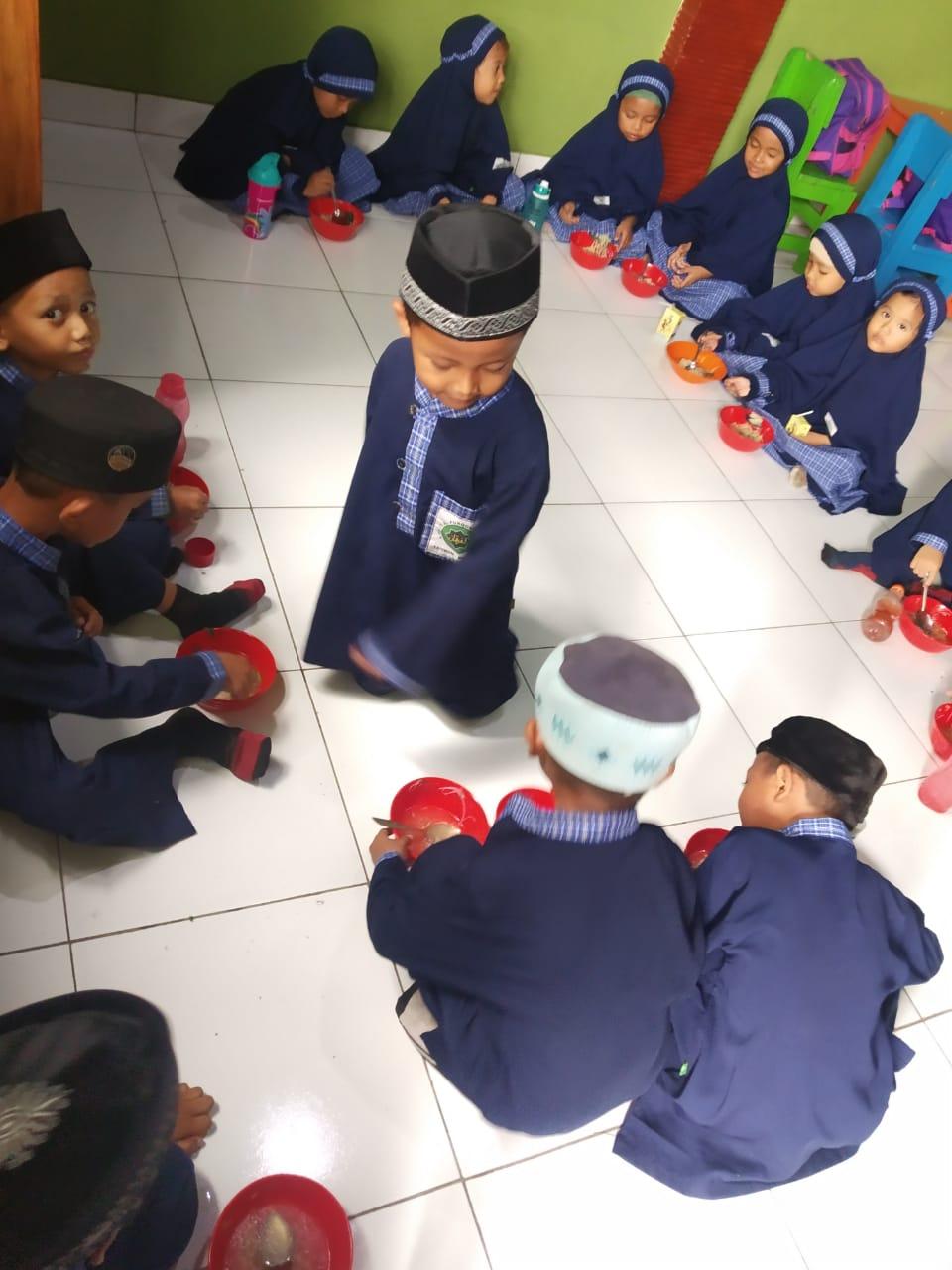 Jumát Makan bersama TK Alfurqon
